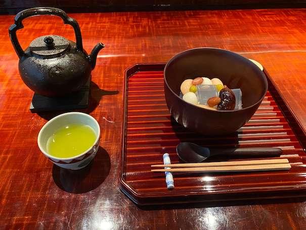 茶菓丸山のあんみつ